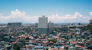 Uzbrojony napastnik wziął ok. 30 zakładników w centrum handlowym w Manili