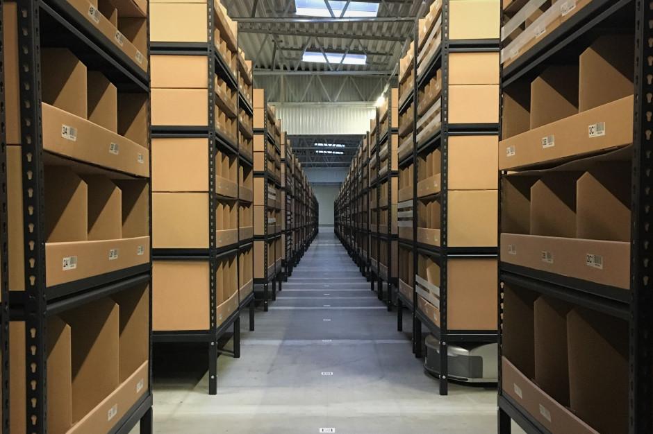 57 robotów, 15 tys. przesyłek dziennie. BNP Paribas Real Estate prezentuje zautomatyzowany magazyn firmy M.W.