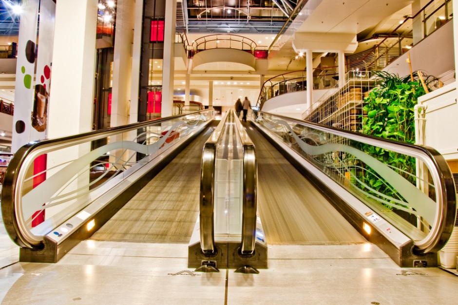 Rosja: Moskwa zamknie centra handlowe i bary