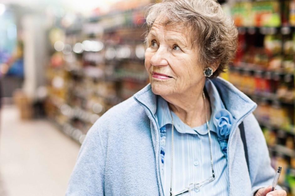 Tesco wprowadza specjalne godziny na zakupy dla osób starszych.