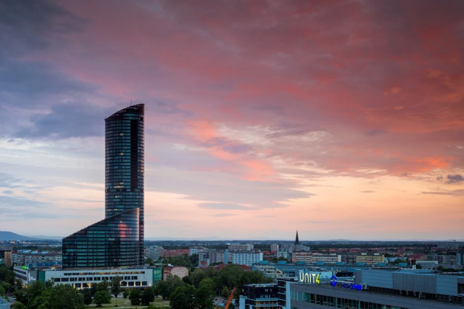 Sky Tower z nowymi najemcami