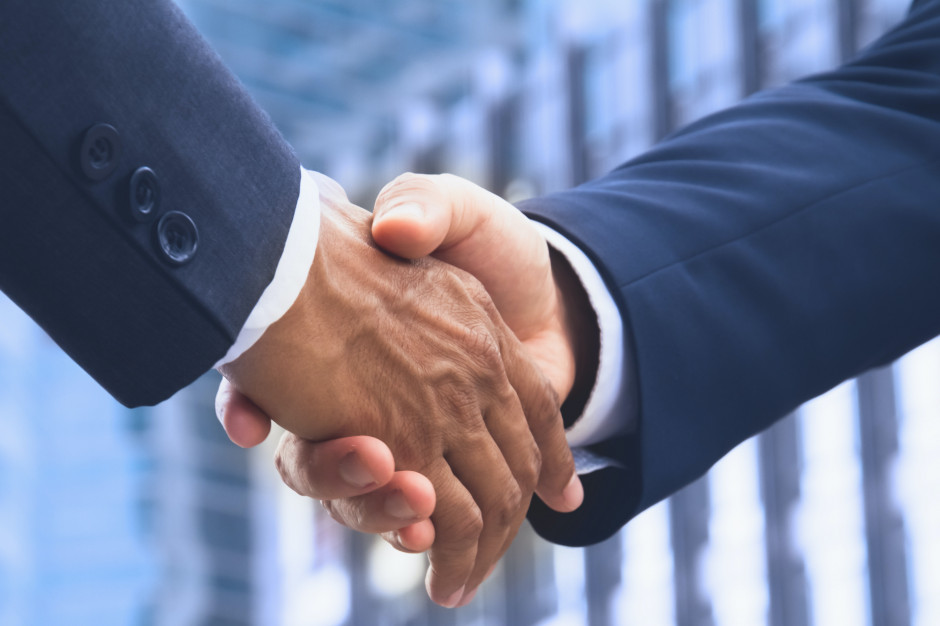 Alior Bank ma przedwstępną umowę kupna akcji Ruchu