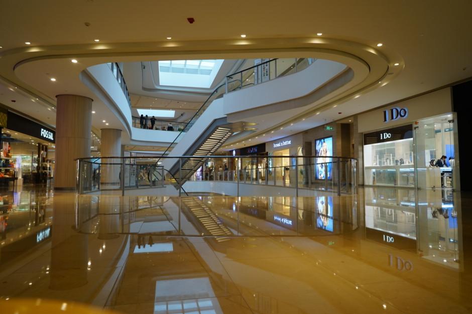 Centra handlowe wypracowują z rządem protokoły bezpieczeństwa
