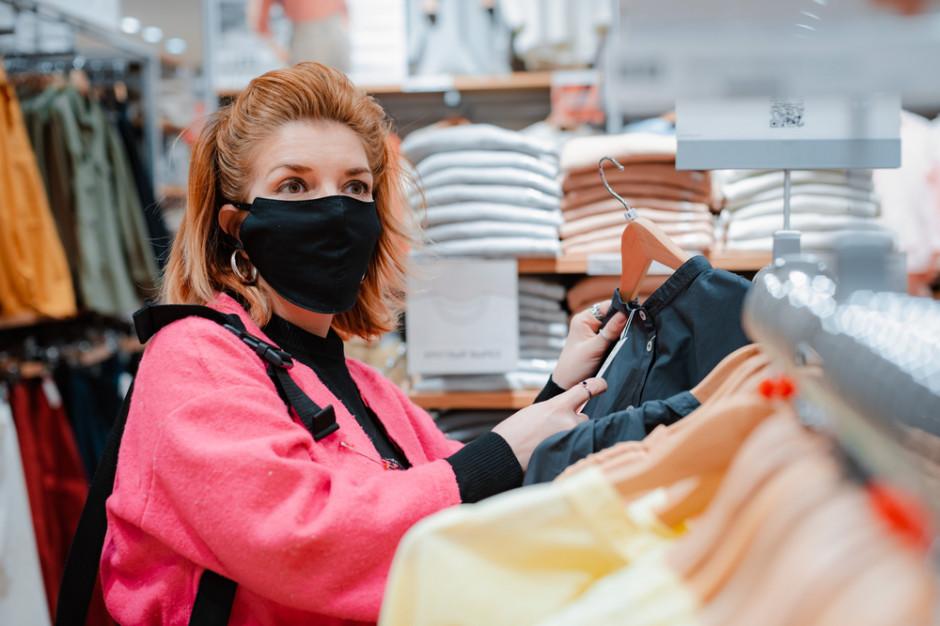 Rzecznik rządu apeluje do właścicieli sklepów i restauracji o przestrzeganie obostrzeń