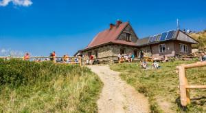 Podkarpackie: Tłumy turystów na bieszczadzkich szlakach