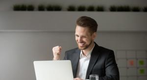 Umowy online coraz powszechniejsze