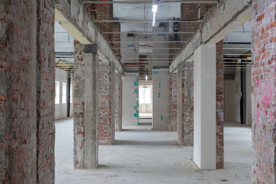 Wola Retro postawiła na industrialne biura
