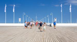 40 proc. sierpniowych rezerwacji z wykorzystaniem bonu turystycznego. Klienci wybierają Trójmiasto