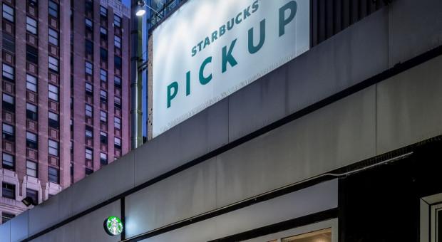 Starbucks poda kawę bez dotyku, ale zamknie część kawiarni
