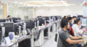 Firmy technologiczne stawiają w regiony
