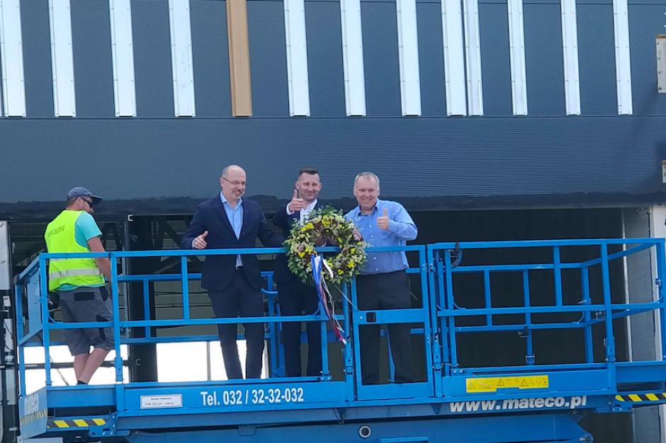 Karuzela w Ełku osiągnęła najwyższy punkt konstrukcyjny