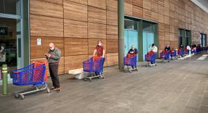 Wielka Brytania wprowadza obowiązkowe zakrywanie twarzy w sklepach