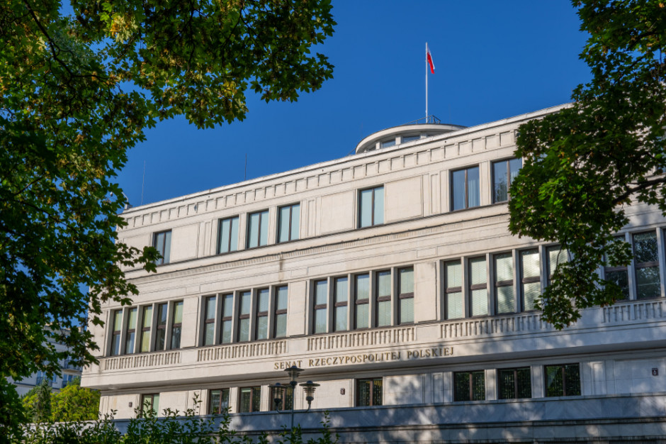 Senacka komisja za przyjęciem bonu turystycznego