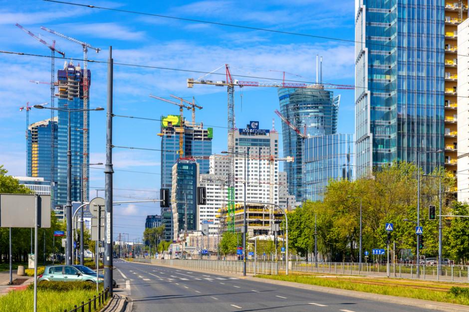 Biurowa Warszawa nadal w budowie. W 2021 roku przekroczy próg 6 mln mkw. powierzchni