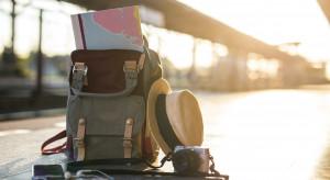Polacy coraz chętniej wydają pieniądze na podróże i polują na okazje