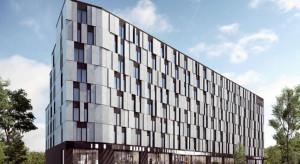 Otwarcie Staybridge Suites przesunięte na przyszły rok