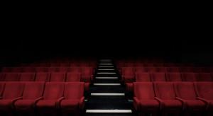 Kina, multipleksy i teatry toną w długach