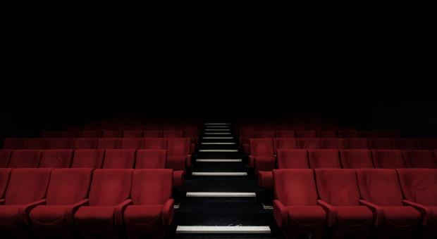 Do kina do teatru. Teatralne spektakle na ekranach sieci Helios