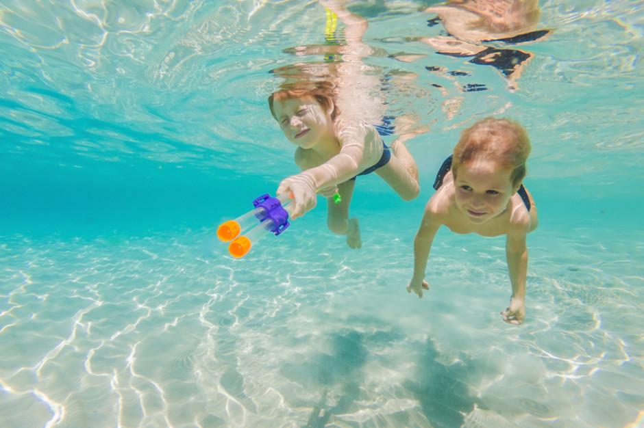 Znikają kolejne ograniczenia. Bez limitów na basenach, kibice wracają do hal sportowych