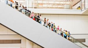 Proces odbudowy sprzedaży z centrach handlowych będzie trwał długo