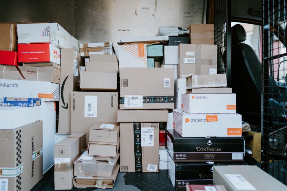 Usługi kurierskie i logistyczne szukają pracowników