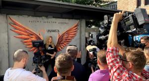 Hala Koszyki ze skrzydłami dla kobiet