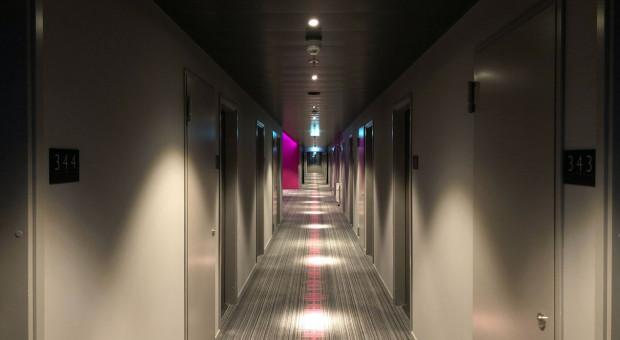 Hotele świecą pustkami po obcokrajowcach