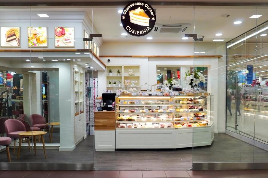 CH Auchan Piaseczno poszerza strefę gastronomiczną