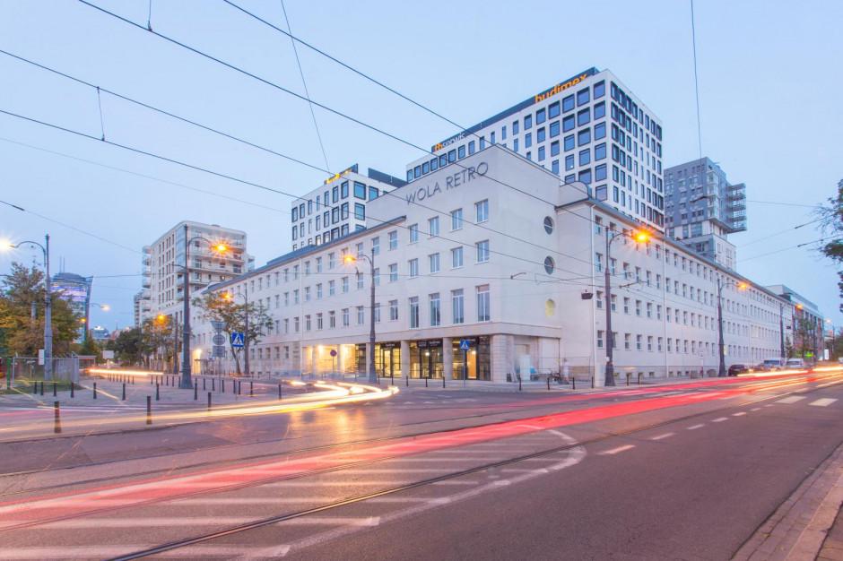 Chałwy i sezamki na 11 piętrze Wola Retro w Warszawie