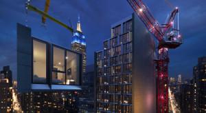 Najwyższy hotel modułowy na świecie ruszył w drogę z Polski do Nowego Jorku