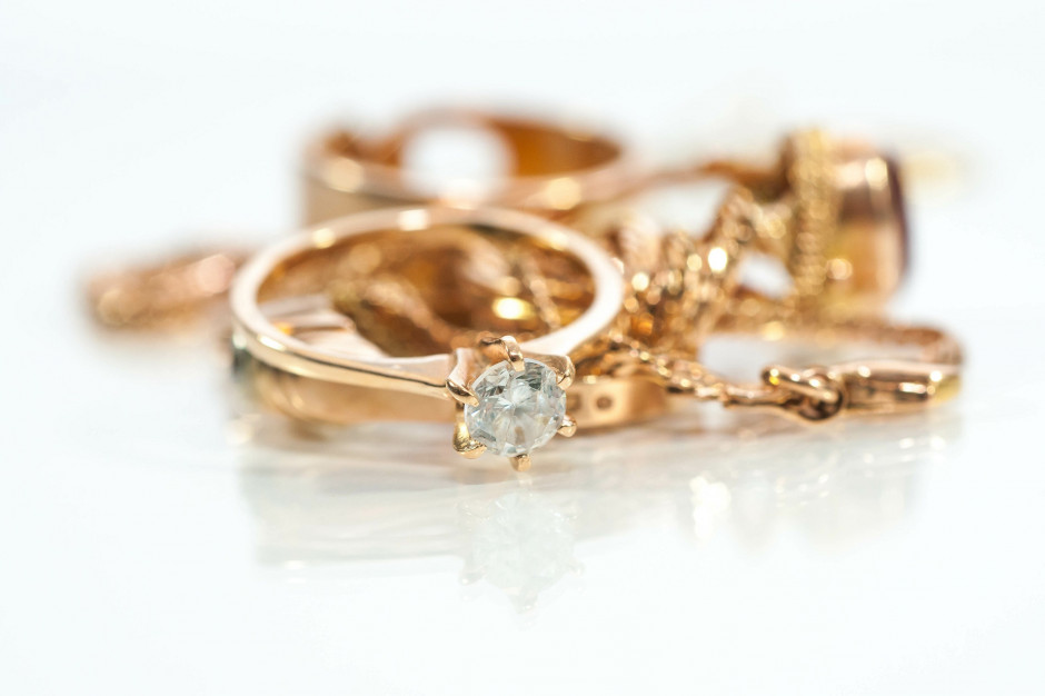 Polacy nie boją się kupować biżuterii on-line