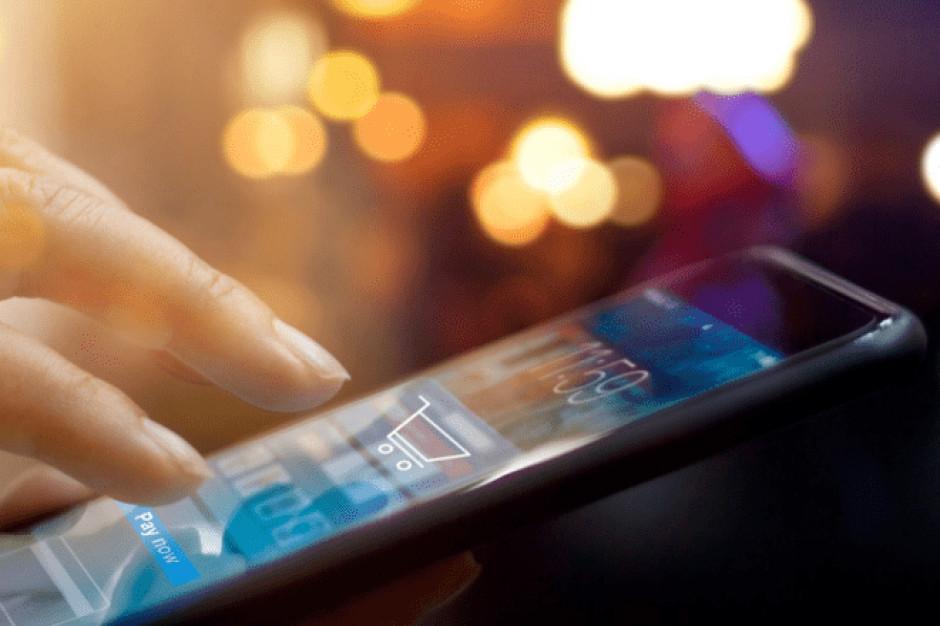Około świąteczne zakupy przez Internet mogą wzrosnąć w tym roku nawet o 35 proc.