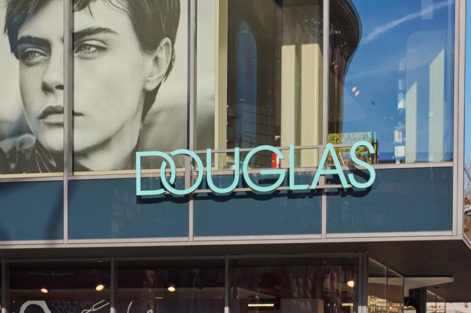 Sieć Douglas w Niemczech ogłosiła się drogerią, ale teraz przeprasza