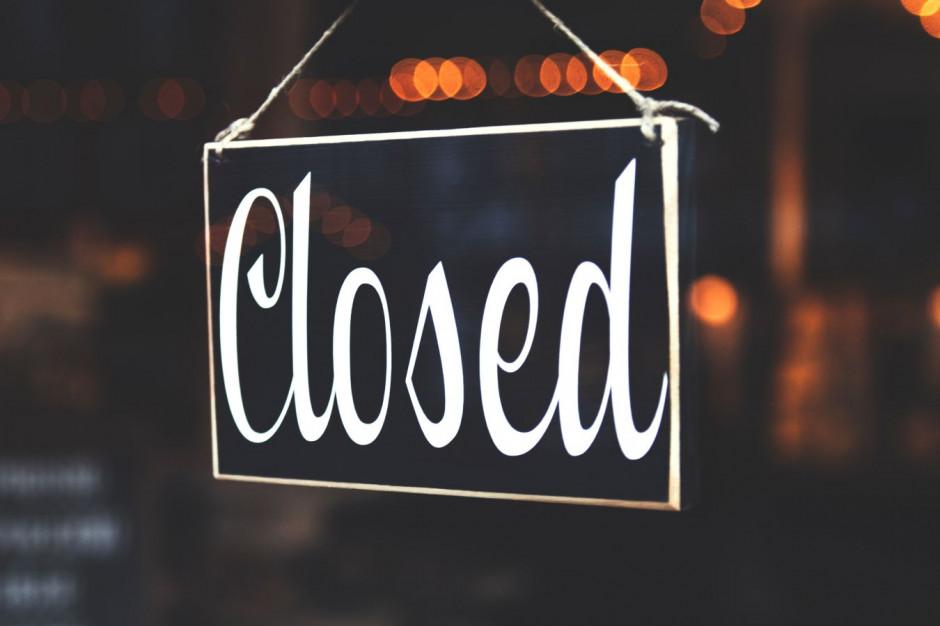 Wiceminister zdrowia: Otwieranie restauracji i hoteli przyczyną zwiększonej liczby zakażeń