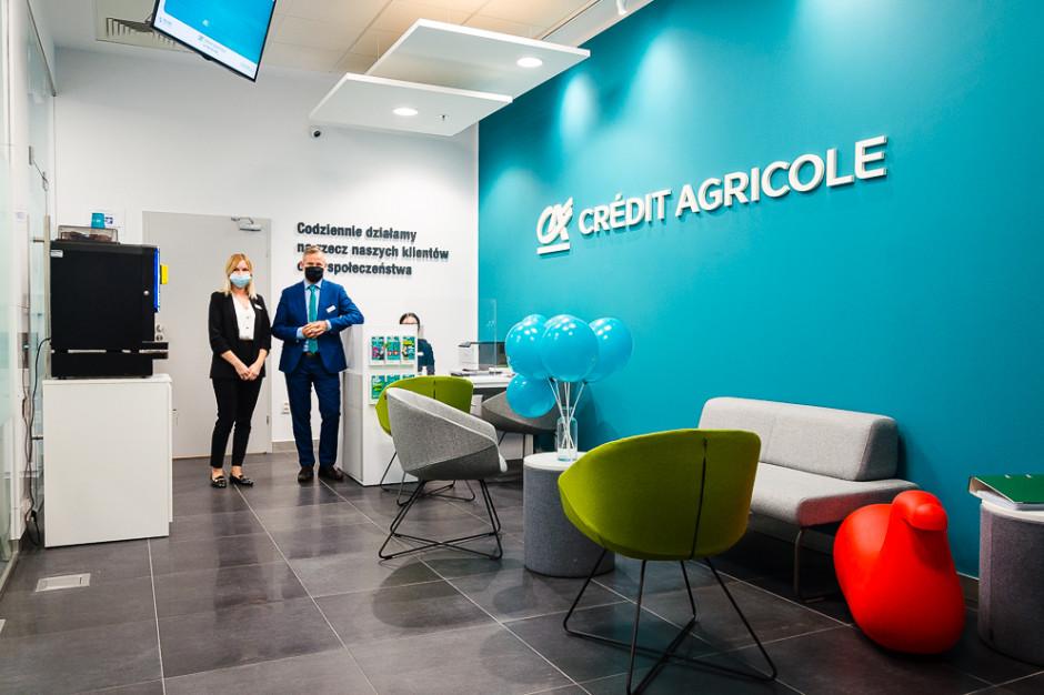 Duży bank otwiera pierwszy oddział w centrum handlowym