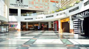 Centra handlowe straciły połowę kilentów