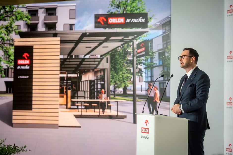 PKN Orlen chce uruchomić we wrześniu około 200 automatów paczkowych