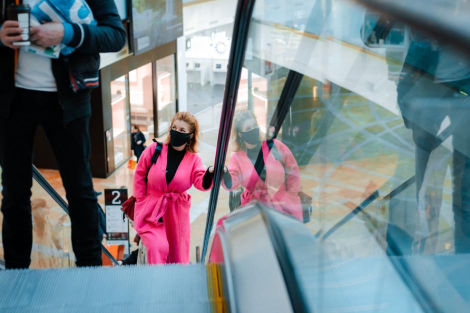Polacy bez paniki. Rekordowy poziom poczucia bezpieczeństwa w sklepach, hotelach i usługach