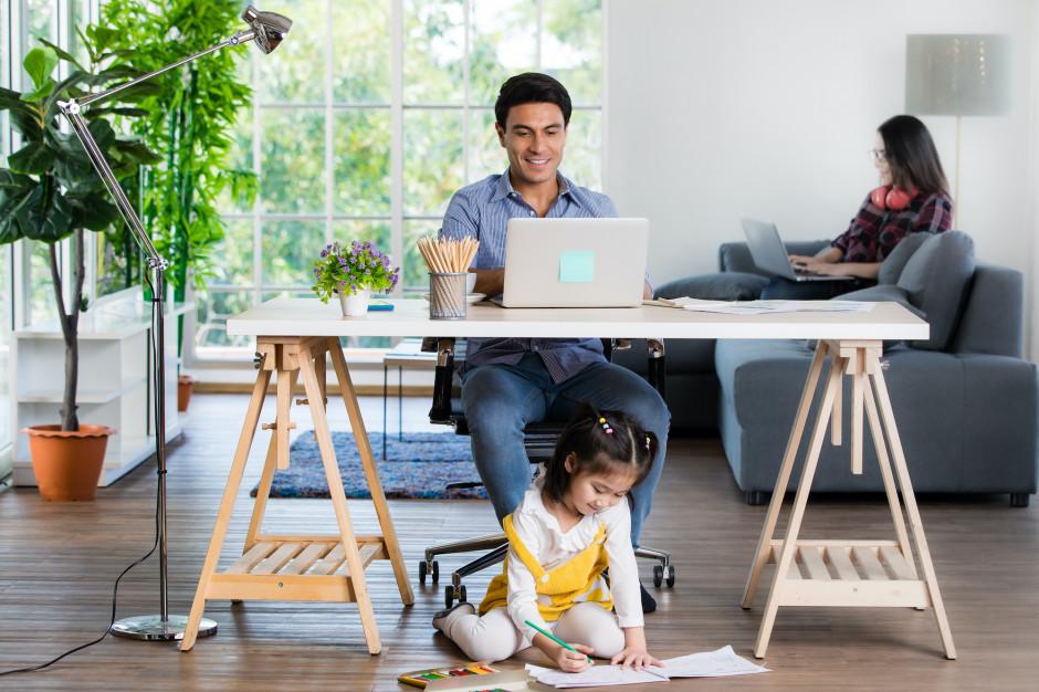 Home office zaburza work-life balance – tak uważa 42 proc. Polaków