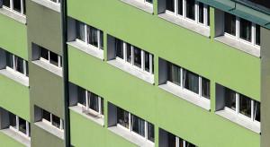 Rynek mieszkaniowy ma ogromny potencjał, lecz zaczyna się na nim robić niebezpiecznie ciasno