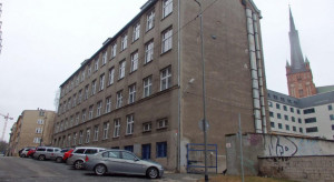Zabytkowy gmach Akademii Morskiej w Szczecinie może zmienić funkcje