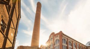 Elewacja zabytkowej elektrowni Scheiblera odzyskała dawny blask
