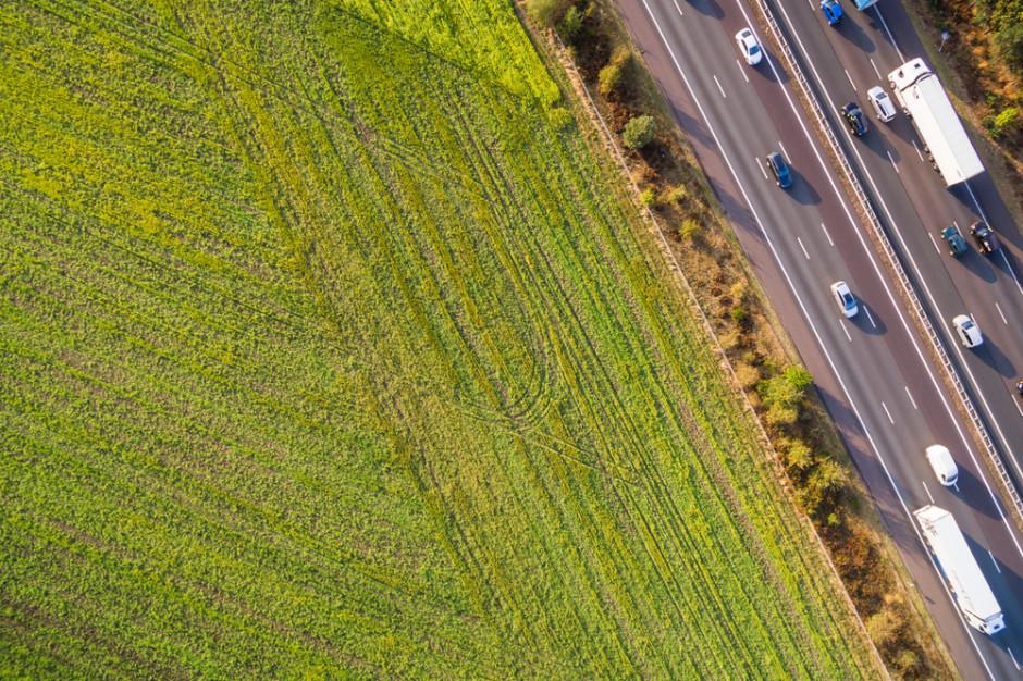 Państwowa ziemia rolna dalej nie na sprzedaż. Zakaz przedłużony do 2026 roku