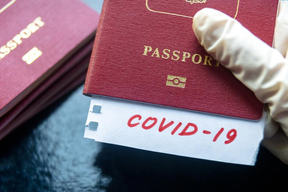 Ukraina wprowadza żółte i zielone paszporty covidowe
