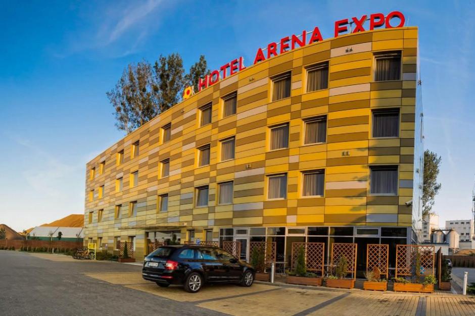 Teren inwestycyjny z hotelem przy Stadionie Energa Gdańsk wystawiony na sprzedaż