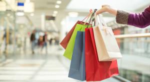 Polacy najchętniej chodzą na zakupy w sobotę