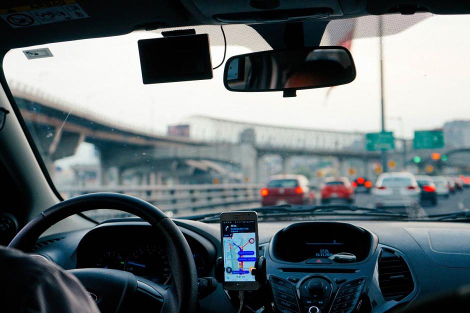 Firmy apelują o zakaz produkcji aut spalinowych