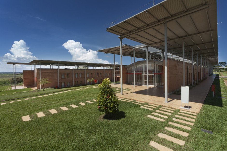 Nice wspiera budowę szpitala dziecięcego  w Ugandzie