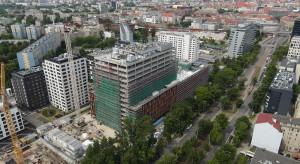 Echo Investment zawiesiło wiechę nad wrocławskim biurowcem MidPoint71