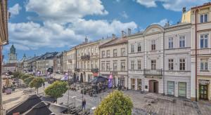 Handlowo-biurowa kamienica Krakowskie Przedmieście 34 zmieni właściciela